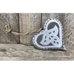 Cœur en bois et métal